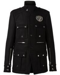 Черная куртка в стиле милитари