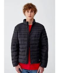 Мужская черная куртка-пуховик от Pull&Bear