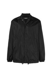 Черная куртка с воротником и на пуговицах