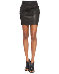 Черная мини-юбка c бахромой