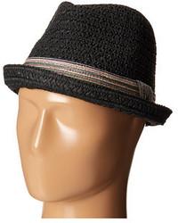 Черная соломенная шляпа