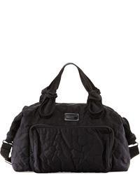 Черная спортивная сумка из плотной ткани