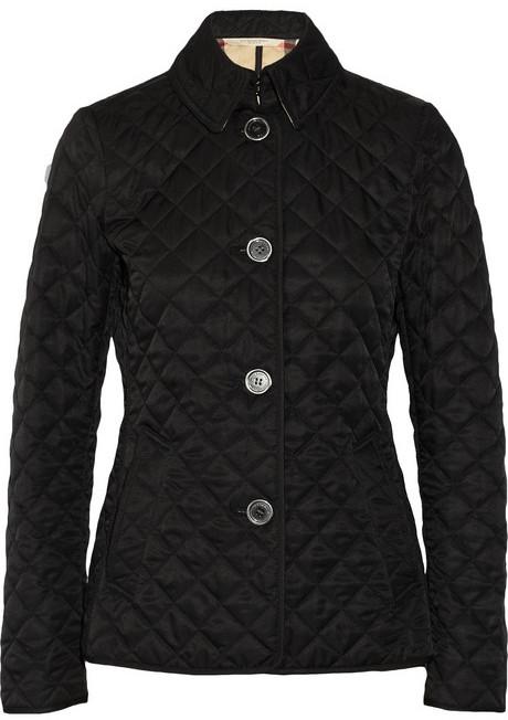 d7d87c839831 Женская черная стеганая куртка от Burberry   Где купить и с чем носить