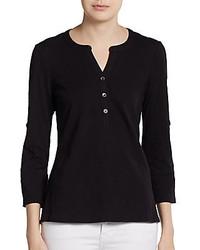 Черная футболка на пуговицах