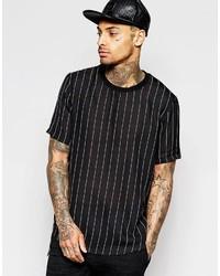 Черная футболка с круглым вырезом в вертикальную полоску