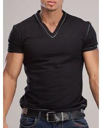 Мужская черная футболка с v-образным вырезом от OPIUM