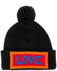 Женская черная шапка с вышивкой от Fendi