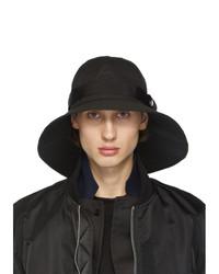 Мужская черная шляпа от Sacai