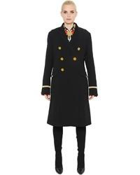 Черное бархатное пальто