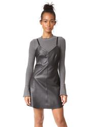 Черное кожаное платье-комбинация