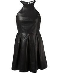 Черное кожаное платье с плиссированной юбкой