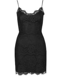 Черное кружевное облегающее платье