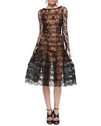 Черное кружевное платье-миди