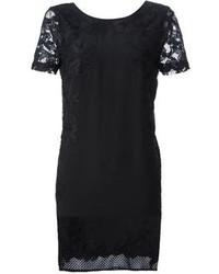 Черное кружевное платье прямого кроя