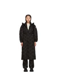 Женское черное пальто с вышивкой от Moncler Genius