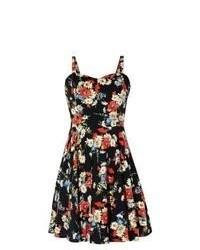 Черное платье с плиссированной юбкой с цветочным принтом