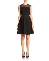 Черное платье с пышной юбкой в сеточку