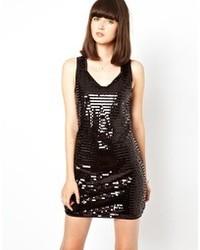 Черное платье-футляр с пайетками от Black Secret