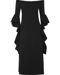 Черное платье-футляр с рюшами