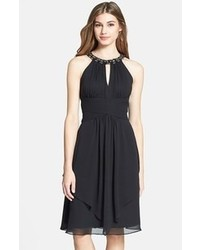 Черное шифоновое коктейльное платье