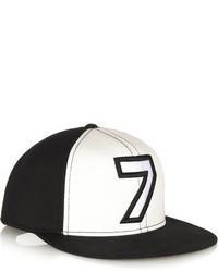 Женская черно-белая бейсболка с принтом от Karl Lagerfeld