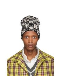 Мужская черно-белая вязаная шапка от Gucci