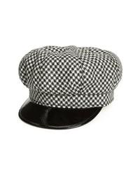 Черно-белая кепка