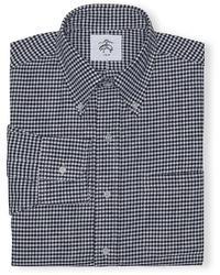 Черно-белая классическая рубашка в мелкую клетку