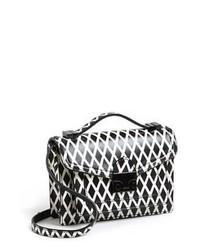 Черно-белая кожаная сумка через плечо с принтом