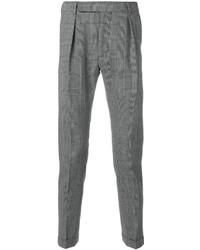 Черно-белые классические брюки в клетку