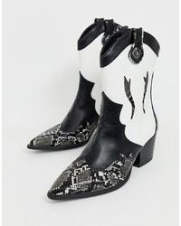 Женские черно-белые кожаные ковбойские сапоги от Stradivarius