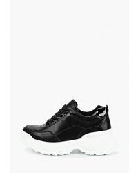 Женские черно-белые кроссовки от Vivian Royal