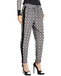 Черно-белые пижамные штаны