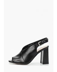 Черные кожаные босоножки на каблуке от Bona Dea