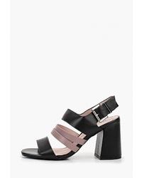 Черные кожаные босоножки на каблуке от Marie Collet