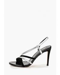 Черные кожаные босоножки на каблуке от Vitacci