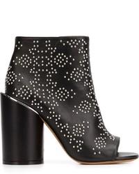 Женские черные кожаные ботильоны с шипами от Givenchy