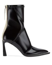 Черные кожаные ботильоны от Fendi