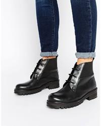 Женские черные кожаные массивные ботильоны на шнуровке