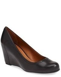Черные кожаные туфли на танкетке