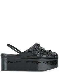 Черные сабо от Fendi