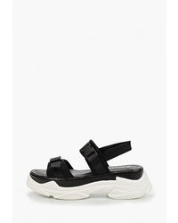 Черные сандалии на плоской подошве из плотной ткани от Chasse