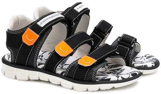 Детские черные сандалии для мальчиков от John Galliano