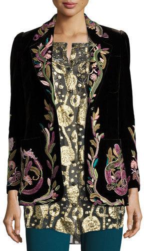 Черный пиджак с вышивкой