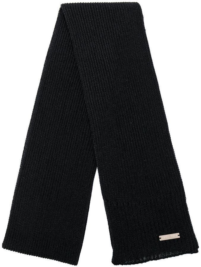 Мужской черный вязаный шарф от DSQUARED2   Где купить и с чем носить 6ea39b2c52f