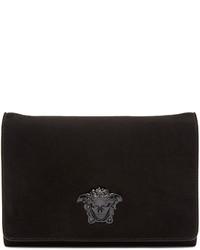 Черный замшевый клатч от Versace