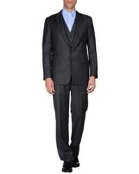 Черный костюм-тройка в вертикальную полоску