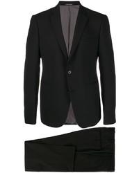 Черный костюм от Emporio Armani
