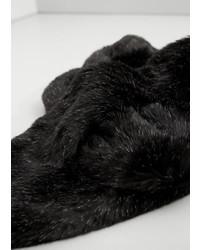 Женский черный меховой шарф от Mango