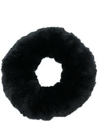 Женский черный меховой шарф от Yves Salomon